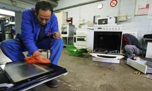economie de barils de p trole en 2011 en recyclant l 39 lectrom nager. Black Bedroom Furniture Sets. Home Design Ideas