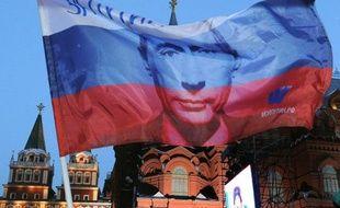 """Vladimir Poutine a indiqué jeudi qu'il serait un président """"au-dessus des partis"""" lorsqu'il prendra ses fonctions en mai au Kremlin pour un troisième mandat à la tête de la Russie, sur fond de vague de contestation sans précédent depuis son arrivée au pouvoir en 2000."""