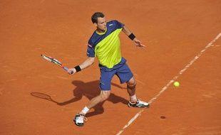 Le joueur français Paul-Henri Mathieu, lors de sa victoire à Roland-Garros contre John Isner, le 31 mai 2012.
