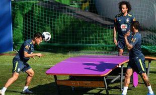 Coutinho, Marcelo et Gabriel Jesus se détendent à Sotchi.
