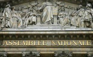 """L'association Pour une démocratie directe demande que la justice enquête sur """"l'enrichissement personnel"""" de certains parlementaires grâce à leur indemnité pour frais"""