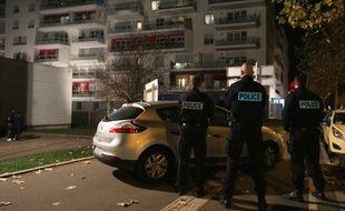 Strasbourg, le 16 novembre 2015. Le Raid et la BRI sont intervenus  dans un immeuble, de Strasbourg dans le quartier de Neudorf.  Le terroriste Abdeslam Salah y aurait été aperçu. Il s'agissait d'une fausse piste.
