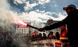 Les cheminots manifestent à Lyon le 13 avril 2018.
