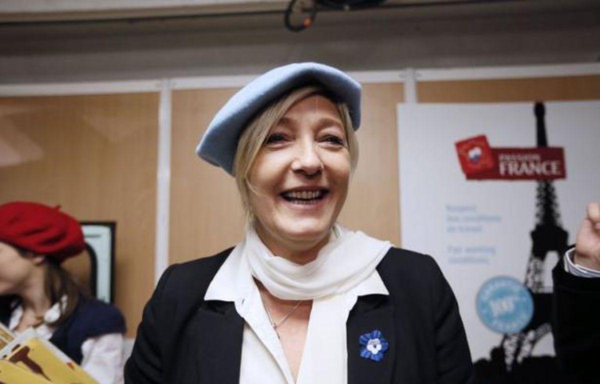 """L'argent public doit servir à acheter des produits français et il faut """"taper du poing sur la table"""" pour que l'UE """"nous autorise à développer et à faire la promotion du +made in France+"""", a déclaré samedi la présidente du Front national, Marine Le Pen. – Kenzo Tribouillard afp.com"""