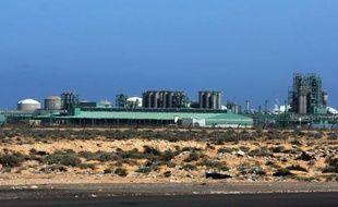 Vue en date du 23 mars 2013 du champ pétrolier d'al-Ghani, dans le sud de la Libye