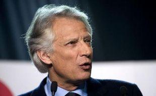 """L'ancien Premier ministre Dominique de Villepin a estimé lundi sur iTélé qu'il y avait de """"bonnes idées"""" parmi les mesures annoncées dimanche soir par Nicolas Sarkozy mais a regretté que celles-ci """"viennent trop tard""""."""