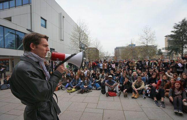 Blocage à l'université de Strasbourg. Le 9 avril 2018.