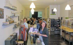 A Bordeaux, le 8 juillet 2014, l'Èpicerie sans emballages jetables a ouvert ‡ Bordeaux.