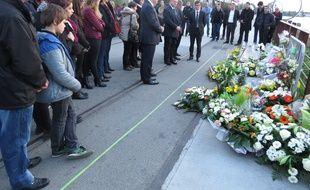 Lundi 26 octobre, hommage à Florian Prou, tué au cours d'une bagarre, dimanche 18 octobre au Hangar à Bananes à Nantes.