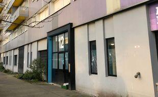 Le jeune Abdelghani Sidali a été tué devant l'entrée du 12 rue Edmond-Bertreux, quartier Dervallières à Nantes.