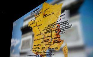 Carte de l'itinéraire du Tour de France 2016 présentée à Paris le 20 octobre 2016