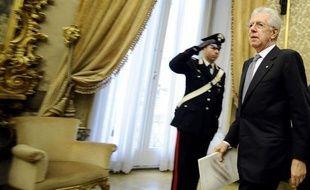 Le chef du gouvernement italien, Mario Monti, a obtenu vendredi la confiance des députés sur son plan de rigueur anticrise comprenant 20 milliards d'euros d'économies et de hausses d'impôts, ouvrant ainsi la voie à son adoption formelle dans la soirée