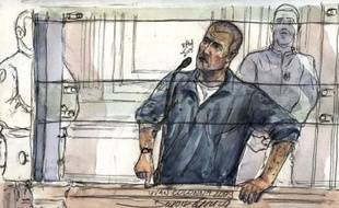 """A la barre, plusieurs témoins présents sur les lieux du crime sont venus dire qu'ils ne reconnaissaient pas l'accusé. Le dernier en date, Cédric Leprévost, a affirmé mardi matin """"ne pas reconnaître Yvan Colonna comme étant l'un des deux hommes"""" à l'attitude """"bizarre"""" qu'il avait aperçus """"postés"""" dans une rue adjacente le soir du 6 février."""