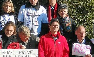 Nicolas Moreno (au centre) avait été soutenu le 22 janvier à Grenoble par SVP Papa.
