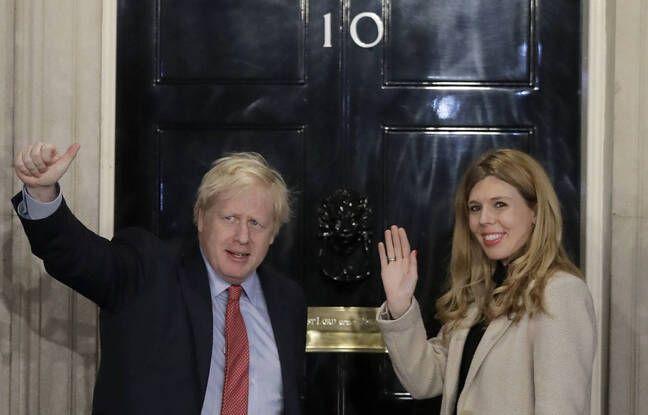 648x415 le premier ministre britannique boris johnson et carrie symonds devant le 10 downing street a