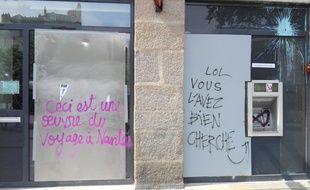 Des vitrines brisées puis taguées en centre-ville de Nantes.