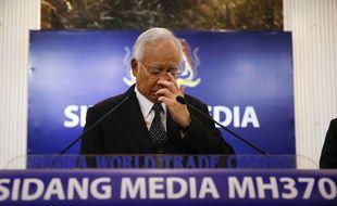 Le Premier ministre malaisien a annoncé que les débris retrouvés à la Réunion sont bien ceux du vol MH370, le 5 août 2015.