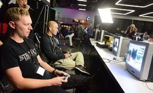 Deux joueurs s'affrontent sur Tetris lors du Retro Gaming Expo de Portland en 2014. (Illustration)