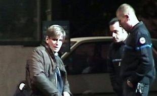 Jorge Montes, un violeur présumé libéré par erreur en octobre avant d'être réincarcéré sur décision de la cour d'appel de Paris, vient d'être renvoyé devant les assises pour viols, enlèvement et séquestration, a-t-on appris vendredi de source judiciaire.