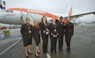 Mais que signifient les signes échangés par les hôtesses lors d'un vol ?