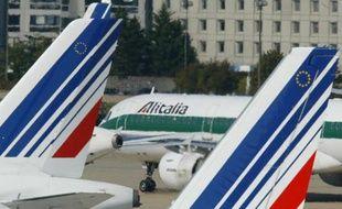Des avions sur le tarmac de l'aéroport Roissy-Charles-de-Gaulle, près de Paris, le 30 septembre 2003