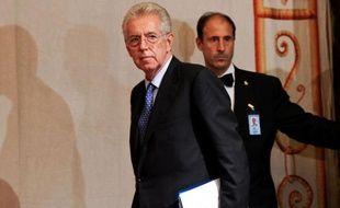 L'ex-commissaire européen Mario Monti, chargé par le chef d'Etat italien de former un nouveau gouvernement, a repris mardi matin ses consultations avec les principaux partis politiques pour la formation du nouvel exécutif