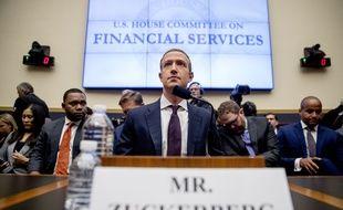 Le patron de Facebook Mark Zuckerberg défend son projet de monnaie numérique Libra devant le Congrès américain le 23 octobre 2019.