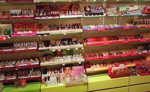 Rayon cosmétique d'un grand magasin