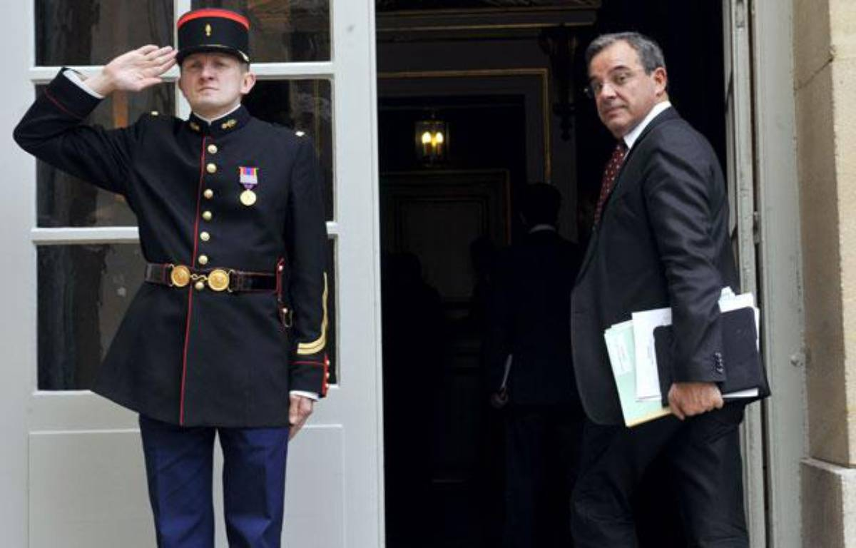 Thierry Mariani, le ministre des Transports, à l'hôtel Matignon, le 11 mai 2011. – M. FEDOUACH / AFP