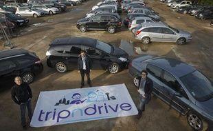 Les co-fondateurs de TripNDrive (de g. à d.), le président  François-Xavier Leduc, le directeur opérationnel Arthur de Keyzer et le  directeur technique Nicolas Cosme, un service de location de voitures  entre voyageurs à proximité de l'aéroport d'Orly, le 15 octobre 2013 à  Chevilly-Larue.