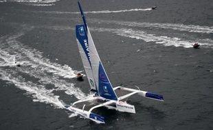 Le skipper expérimenté Loïck Peyron peu après avoir franchi le Cap Fréhel sur la 10 Route du Rhum, le 2 novembre 2014