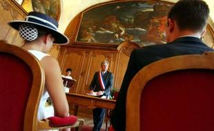 """Pour le barreau de Paris, le mariage """"n'est pas qu'un contrat"""" et le juge est là pour protéger """"la partie la plus faible ou sous emprise"""""""