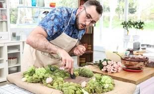 Bastien, infographiste lyonnais, est l'un des 14 candidats en lice pour devenir cette saison le Meilleur pâtissier.