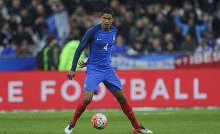 Raphaël Varane ne portera pas le maillot bleu pendant le mois de juin.