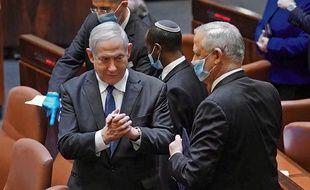 Le Parlement a donné son feu vert pour un gouvernement d'union entre Benjamin Netanyahu et Benny Gantz dimanche 17 mai 2020.