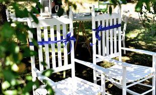Des fauteuils de jardin. Illustration.