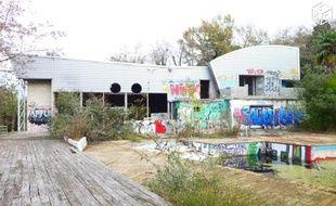 L'ex-salle de concert le Bikini, à Toulouse, détruite par l'explosion AZF le 21 septembre 2001.