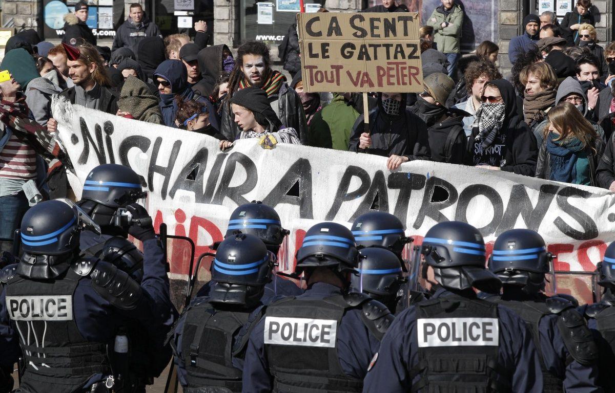 Face-à-face tendu sur la Grand'Place de Lille. – M.Libert/20 Minutes