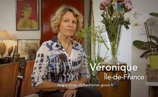 Capture d'écran du spot télévisé dans lesquels quatre familles témoignent pour sensibiliser l'opinion sur le départ de jeunes Français partis faire le jihad en Syrie
