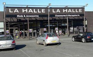 L'enseigne La Halle, qui appartient au groupe Vivarte. Photo d'illustration.