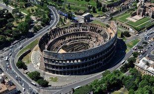 L'Italie a passé haut la main vendredi un nouveau test sur le marché de la dette en levant comme prévu 11 milliards d'euros d'obligations à court terme dont les taux ont chuté