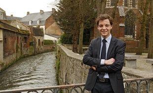 Stéphane Sieczkowski-Samier, élu au 2e tour des élections municipales à Hesdin dans le Pas-de-Calais, est, à 22 ans l'un des plus jeunes maires de France.
