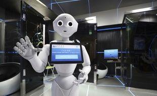 Le robot humanoïde Pepper a rendu visite aux députés britanniques le 16 octobre 2018.