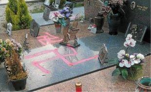 Neuf sépultures ont été profanées ce week-end au cimetière de Carros.