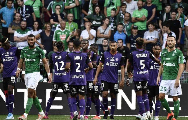 ASSE-Toulouse: «Le VAR nous tue un peu le football», regrette Alain Casanova après un week-end de polémiques