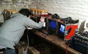 Dix-sept salariés de la brasserie ont été piégés. Certaines caméras étaient cachées dans un pack de bière...