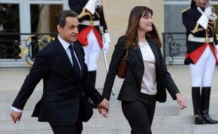 L'ancien président français Nicolas Sarkozy et son épouse Carla, en visite privée au Maroc, séjournent dans une résidence mise à leur disposition à Marrakech par le roi Mohammed VI, dans le sud du royaume, a indiqué mardi à l'AFP un responsable des autorités locales.