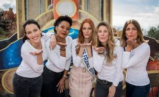 Maëva Coucke et d'anciennes Miss France lors d'un événement des Bonnes fées.
