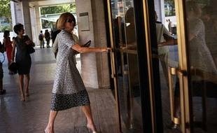 La rédactrice en chef du «Vogue» américain, Anna Wintour, entre au Lincoln Center ce jeudi 4 septembre 2013, avec un jour d'avance!