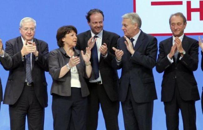 """Jean-Marc Ayrault et Martine Aubry ont appelé à la mobilisation mercredi soir lors d'un dernier meeting commun à J-4 du deuxième tour des législatives, mettant en garde contre l'abstention face à la poussée du FN et dénonçant des """"petits arrangements"""" entre l'extrême droite et l'UMP."""